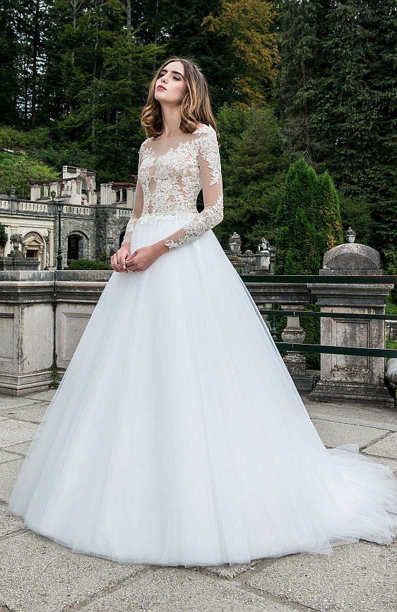 Svadobné šaty s dlhými rukávmi Wedding Gallery svadobný salón Bratislava