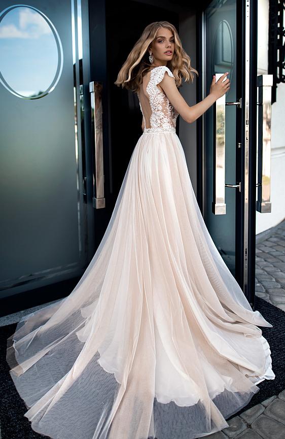 Svadobné šaty bohémske Wedding Gallery svadobný salón Bratislava