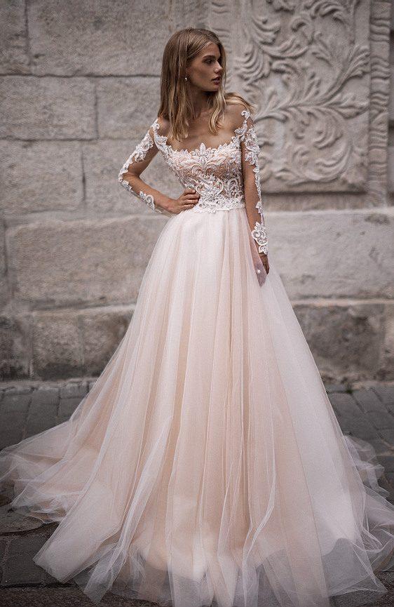 Svadobné šaty s čipkovými rukávmi