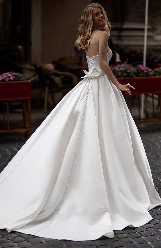Jednoduché svadobné šaty saténové Wedding Gallery svadobný salón Bratislava