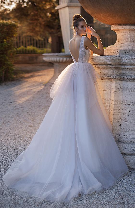 Svadobné šaty fialové - Wedding Gallery svadobný salón Bratislava