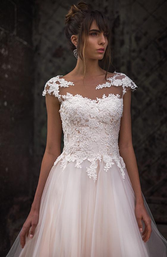 Svadobné šaty jednoduché s čipkou s ramienkami