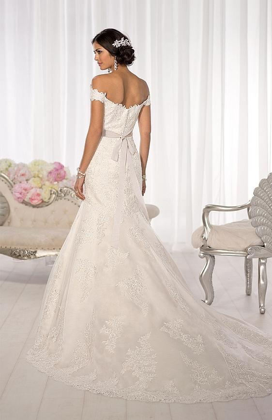 svadobne saty Essense of Australia D1617 Svadobný salón Wedding Gallery Bratislava